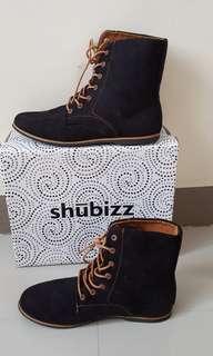 Blacks Boots SIZE 8