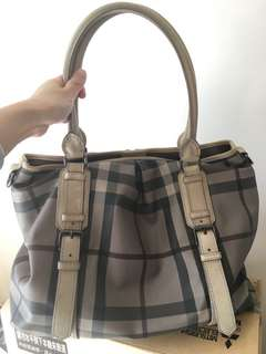 Burberry Bag 80%New with dustbag
