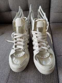 Adidas Jeremy Scott Wings 2.0 cut out
