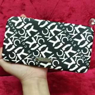 KENNETH COLE REACTION Black and White Clutch