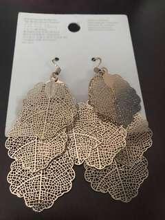H&M - Earrings Gold Flower