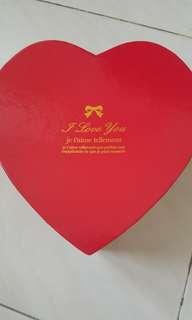 'I Love You' heart-shape box