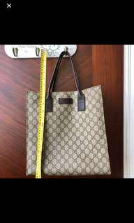 "100% Real 75%new Gucci Bag 11x12""挺身 可上膊 可放手提電腦文件等"