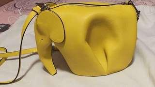 全新55折發售 正貨Loywe大象包 黃色