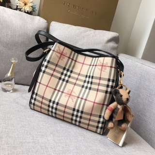 Burberry hypermart bag