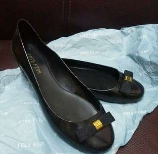 99%New 日本Free Fish Rain shoes防水膠平底鞋 (Size39)