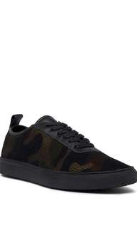 BRAND NEW KENNETH COLE REACTION Mesh Camo Sneaker