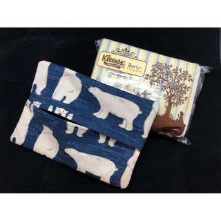 Handmade medium tissue pouch with non-slip base - Polar bear