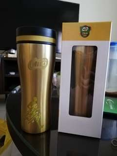 Milo thermos, green and gold available