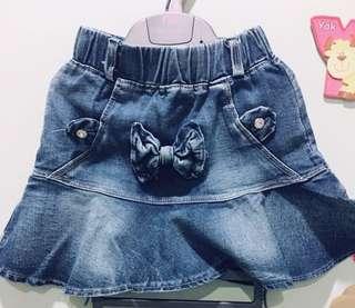 Rok Mini Jeans warna Biru