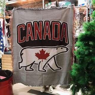 🇨🇦 加拿大楓葉北極熊線毯 萬用布  New arrivals !!⚡️野餐巾沙發巾地毯掛布 北歐風 歐美風