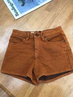 Rust colored high waisted shorts - size 6/8