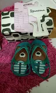 Sendal sandal anak branded ipanema