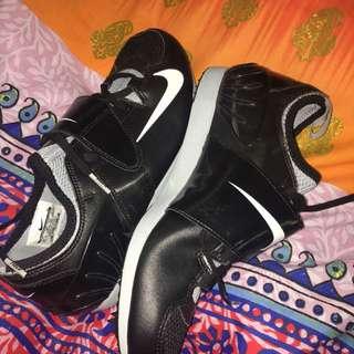 Nike jump spikes