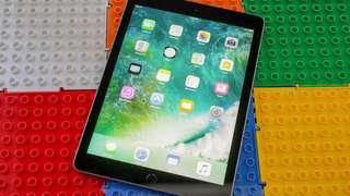 🚚 iPad/128GB/Space Grey Full set/Wi-Fi only  (1yr old)