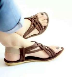 Sepatu sendal tali