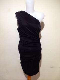 Black one shoulder bodycon dress