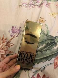 Kylie gel eyeliner (isi 2 gel dan pen)