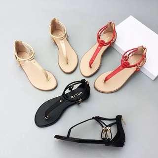 🚚 《早·衣服》暑7來襲☀️歐美簡約時尚夾腳羅馬鞋平底涼鞋(預)