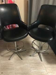2 x bar stools