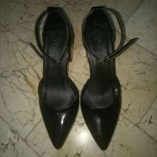 RUSH SALE!!! TUTUM SHOES (Renz patent heels BLACK)