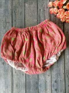 Celana bayi (dibawah 1 tahun)