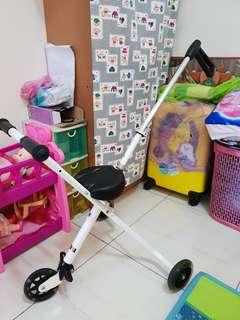 🚚 出清撿便宜~二手溜小孩神器 溜娃推車 可折疊 車體重約3kg 可載重60kg以下 需自取 無法寄送