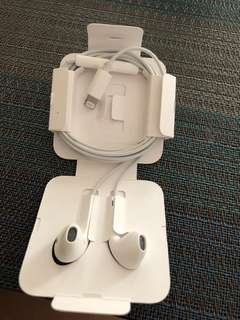 Authentic iPhone 8/8+ EarPods from Canada (2 pcs available) both brand new. 1400 each free SF