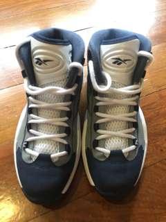 Reebok Question Hoyas (Allen Iverson) dad shoe