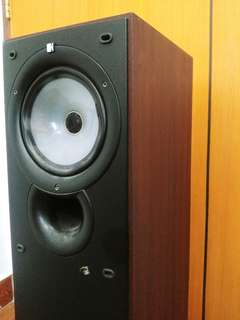 SELLING KEF Q35 1 SPEAKER ONLY