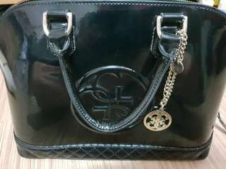 ORIGINAL GUESS BLACK AMY SHINE DOME SATCHEL (Two way) w/ free Handbag Hook