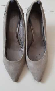Charles & Keith Wedges Gray 39