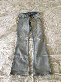 🚚 美國Guess小喇叭牛仔褲