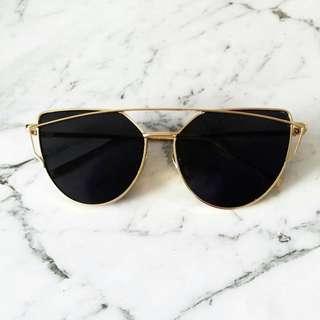 Cat eye trendy shades