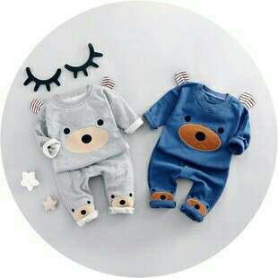 *FREE DELIVERY to WM only / Ready stock* Kids bear design boy long sleeves set as shown in design/color blue 6 10 12 , grey 8 12. Free delivery is applied for this item.
