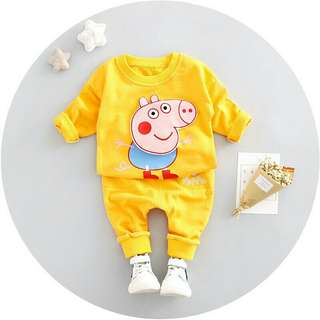 *FREE DELIVERY to WM only / Ready stock* Kids peppa pig long sleeves set as shown in design/color. Free delivery is applied for this item.