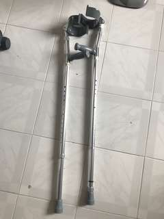 手肘拐杖一對 elbow crutches