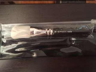 Original/Authentic MAC 168SH Angled Contour Brush