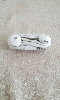 Huawei earphones from Mate 9 Pro