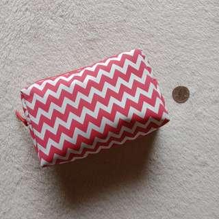 BENCH Artsy Zigzag Make up Zip Pouch / Kikay Kit
