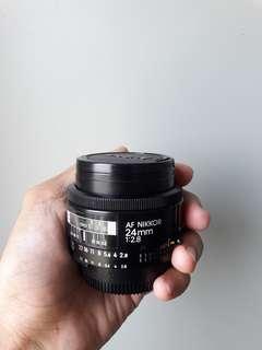 NIKON AF NIKKOR 24mm 1:2.8D + ORIGINAL NIKON LENS REAR AND FRONT CAP (NEGO)