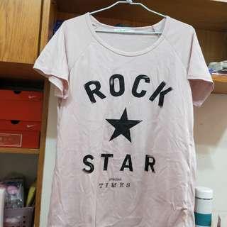 🚚 粉色短版圓領T恤