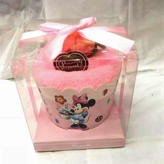 MINNIE MOUSE CUPCAKE TOWEL
