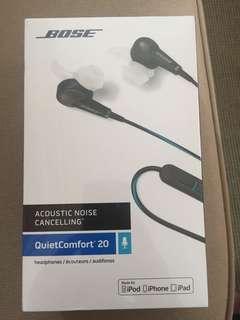 Bose QC 20 earphones ( noise cancelling)