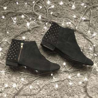 TOPSHOP Navy Blue Velvet Boots with Studs