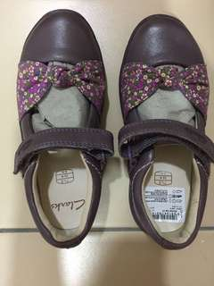Clark's girl shoes size 71/2E