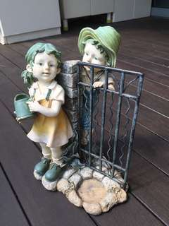 Boy and Girl statue