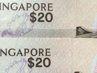 Singapore Bird $20 Error 2 UNC notes (running pair)