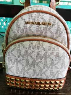 Original Michael Kors Abbey Vanilla XS Studded
