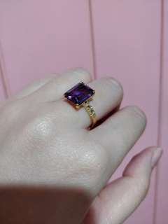 18k gold Alexandrite stone with 6 pcs. Diamonds